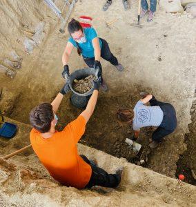Excavación del relleno que hay encima de la