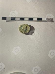 Anverso moneda tardía del siglo IV encontrada en la Villa Romana de Salar