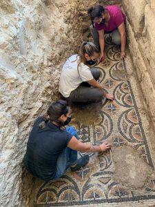 Proceso de limpieza de mosaico