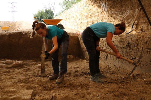 Seguimos excavando en esta segunda semana