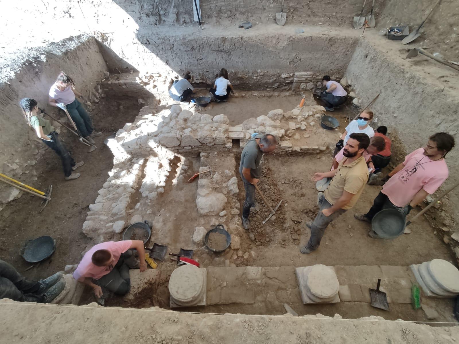 20 de Agosto seguimos con la excavación en Salar